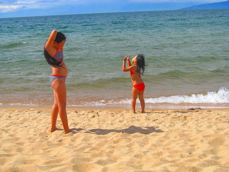 на пляже в Максимихе